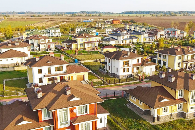 земельный участок в коттеджном поселке Подмосковья